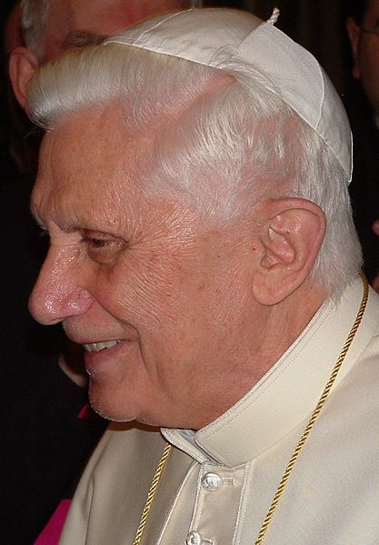 Файл:Pope Benedictus XVI january,20 2006 (21).JPG